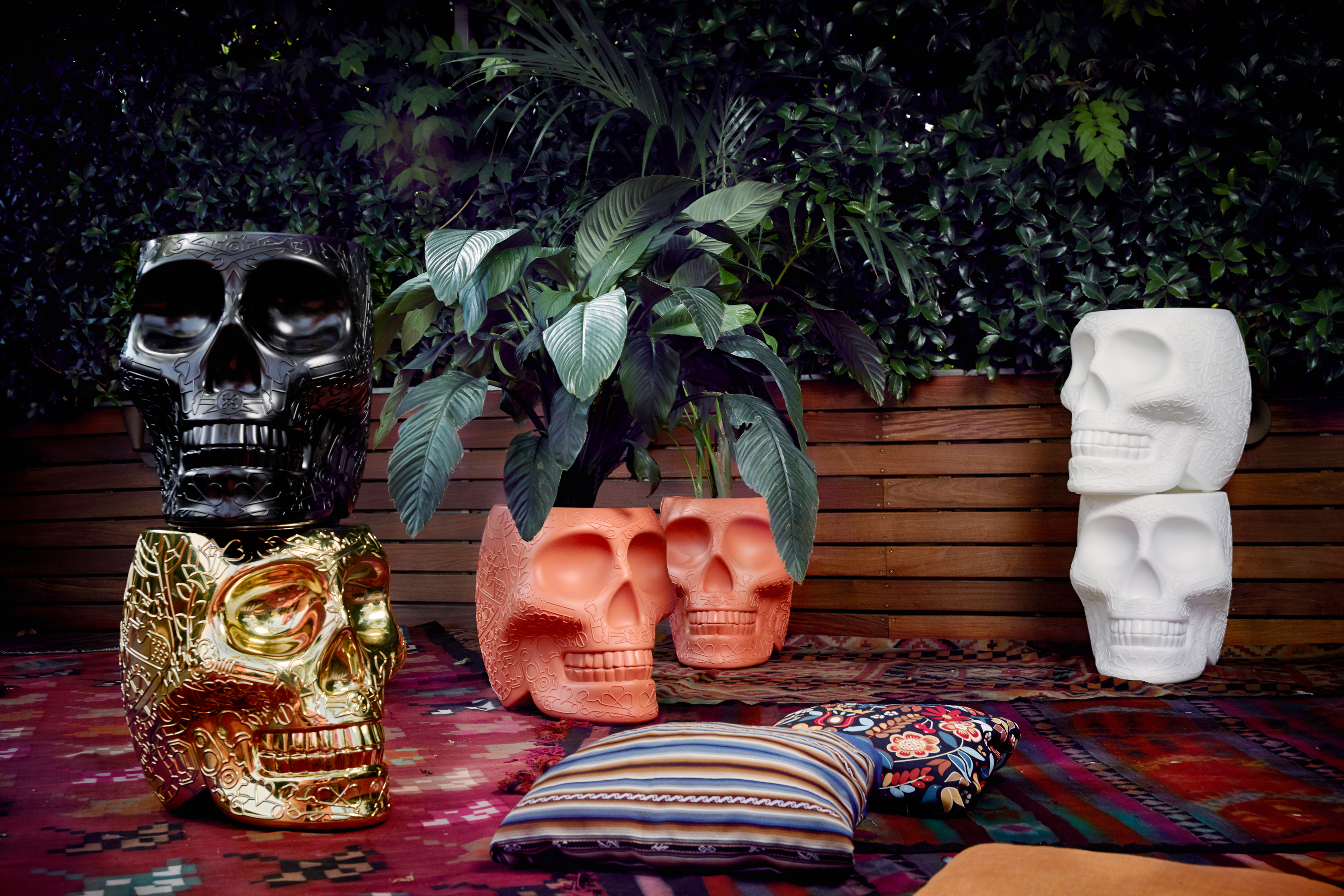13-qeeboo-mexico-stool-and-sidetable-by-studio-job-terracotta