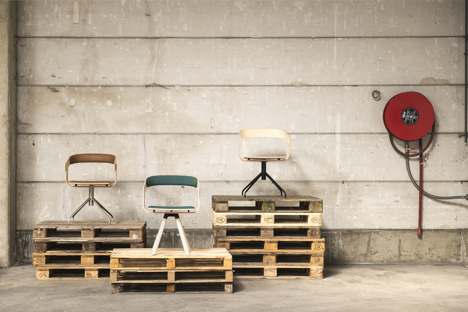 Buzzifloat Chairs by Alain Gilles